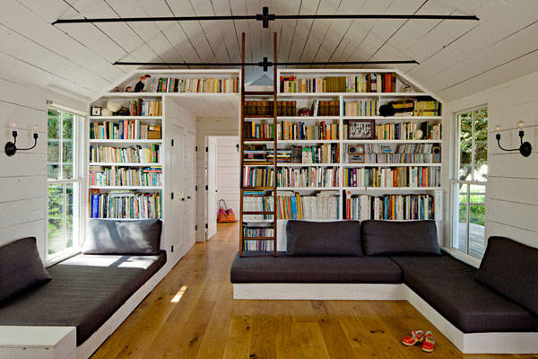 Photo source http://www.decoist.com/2012-10-16/40-home-library-design-ideas-remarkable-interior/delightful-home-library-unit-comes-with-a-spot-to-perch-at-the-top/